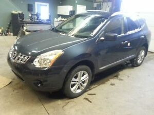 2012 Nissan Rogue, low kms!!