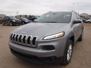 2016 Jeep Cherokee North 4WD, Bluetooth, A/C, keyless entry, all