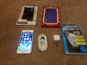Telus gold Iphone 5S 64GB.