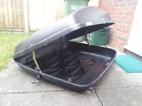 Halfords 250L Roof box with Key and Bolts(Clamps)