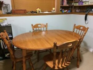 WANTED maple dining set
