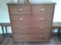 Attractive Victorian Chest of Drawers.
