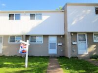 24 SUFFOLK ST # 26, RIVERVIEW! 2 BDRM, 1 BATH CONDO TOWNHOUSE!