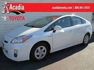 2011 Toyota Prius Premium Pkg withSolar Panels & Moonroof!