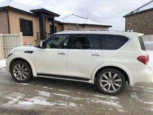 2012 Infinity QX 56 7 Passenger (Great Condition)