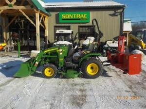 2010 JOHN DEERE 2320 COMPACT TRACTOR - LOADER AND MOWER!