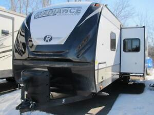2018 RADIANCE 30DS-LOADED, HIGH END FINISH -TRADES-FINANCING!