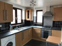 ALDGATE EAST/LIVERPOOL STREET, E1, BRIGHT AND AIRY 3 BEDROOM APARTMENT (NO LOUNGE)