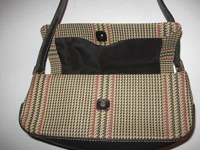 Preowned Small LIZ CLAIBORNE PURSE *nice* has inside zipper Strap Over (Inside Has Zipper)