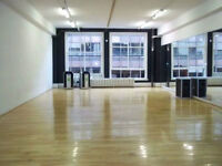STUDIO DE DANSE A LOUER PAR HEURE/ DANCE STUDIO FOR RENT BY HOUR
