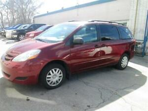 2006 Toyota Sienna CE 3.3L 8 passengers  Two sets of keys.