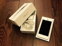 APPLE iPhone 5 32gb white ROGERS (perfect & clean condition)