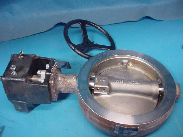 """New Crane 8"""" 150 Flowseal Butterfly Valve CF8M Stainless Steel body & Disc"""