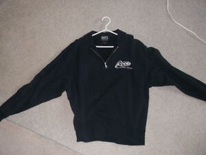 Roots Mens or Ladys Roots Pull over Size LG