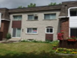 Lovely condo cottage for sale in Dollard-des-Ormeaux
