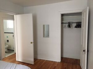 Perfect 1 Bedroom for McGill Student! Steps from Entrance