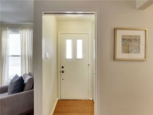 This Renovated Bungalow Is Perfect For A Young Family. Oakville / Halton Region Toronto (GTA) image 4