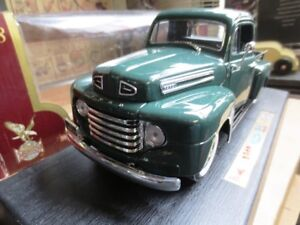 1948 FORD F-1 PICKUP DIECAST MODEL 1:18 ROAD LEGENDS