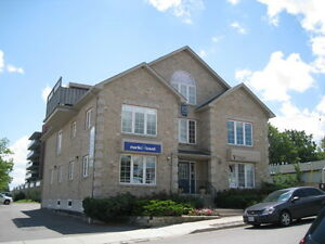 Attractive Modern Office Building - Port Perry $9.58/sqft