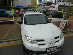 2005 Mitsubishi Outlander ZF LS White 4 Speed Auto Sports Mode Wagon Southport Gold Coast City Preview