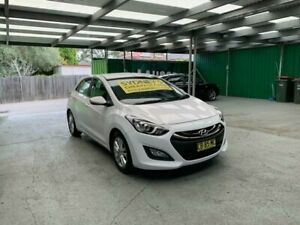 2014 Hyundai i30 GD2 MY14 SE White 6 Speed Manual Hatchback Croydon Burwood Area Preview
