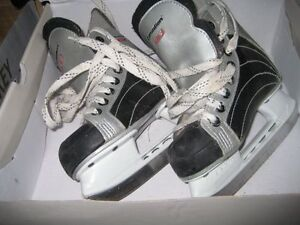 Youth Skates Size Y10 Excellent condition Kitchener / Waterloo Kitchener Area image 1
