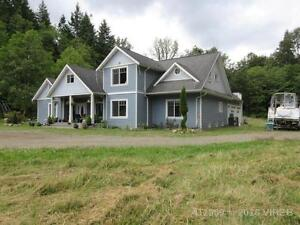 2 Houses, shop, acreage For Sale