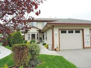 Family Friendly 3 Bed 3 Bath Semi Detached Willowbrook Town-Home