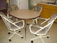 Vintage Arborite Oval Kitchen Table with Leaf, 4 Rolling Chairs