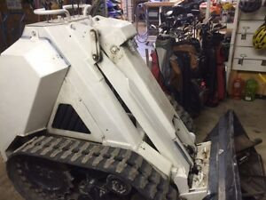 RAM ROD Compact mini skid loader Model 1150