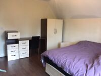 Modern Studio Flat in Ealing Common, all bills & council Tax Included,Short walk to Tube & Shops