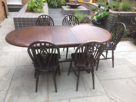 Solid oak extendable dining table and 5 chairs...Vintage ...project...bargain