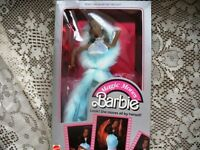 2127 BLACK/WHITE BARBIE DOLL MAGIC MOVES,BLUE, 85 ORIGINAL,BOX