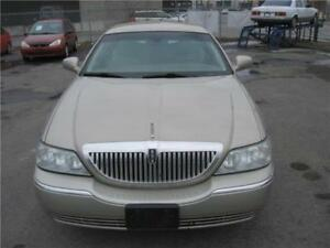 2005 Lincoln Town Car Signature *514-249-4707*