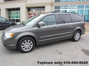2010 Chrysler Town&Country Touring / $9,995+HST+Lic Fees
