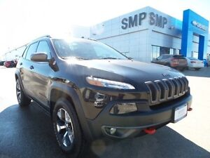 2016 Jeep Cherokee Trailhawk, leather, back up cam, nav, SMP