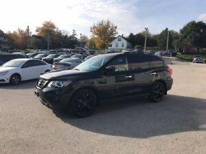 2018 Nissan Pathfinder Rare MidNight Edition ** one owner local