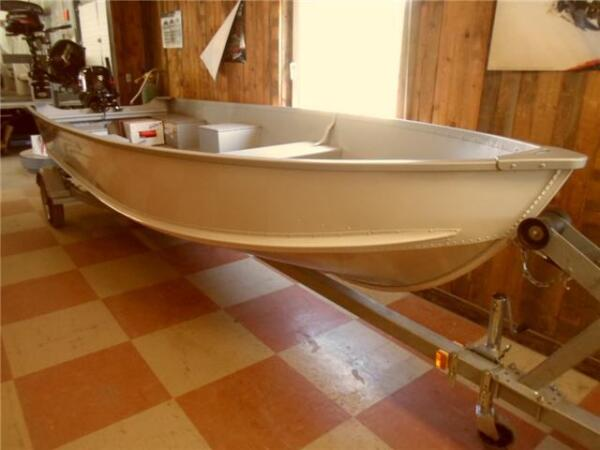 Used 2015 Alumacraft Boat Co 16 V Utility Boat