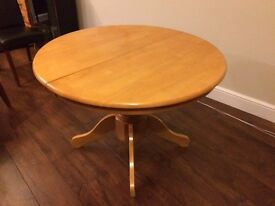 Round Dining Table - Extendable