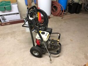 3.0 gpm Pressure Washer at 3000 psi with 4 nozzles on wheels