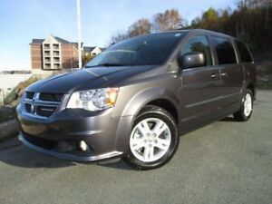 2017 Dodge GRAND CARAVAN CREW PLUS (HEATED LEATHER SEATS & WHEEL