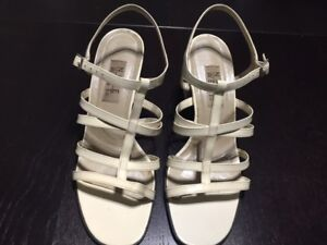 Nine West Cream Colored Sandals - Size 9.5