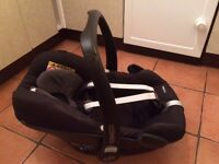 Maxi Cosi Pebble car seat - REDUCED PRICE; suitable from birth to 13kg, rear facing - as new