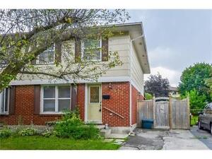 FREEHOLD*SEMI DETACHED*3 BDRM*LEXINGTON PARK