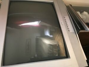 "32"" Color TV"