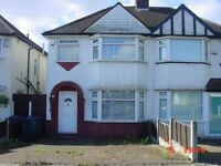 THREE BED SEMI-DETACHED HOUSE:STUDENT ACCOMMODATION :FURNISHED: NEAR TRANSPORT LINKS:ONLY £910 PCM