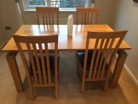 SOLID WOOD TABLE & 4 MATCHING CHAIRS AS NEW