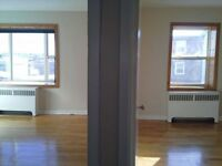 $655 - 2 Bedroom, Davenport Ave., Incl H/l, Parking/Storage