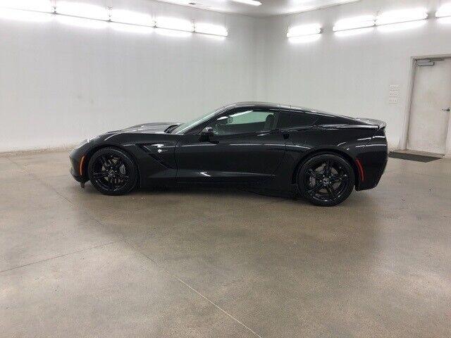 2016 Black Chevrolet Corvette Stingray    C7 Corvette Photo 6
