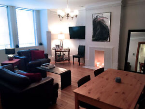 Room in beautiful 4 1/2 Victorian in Golden Square Mile